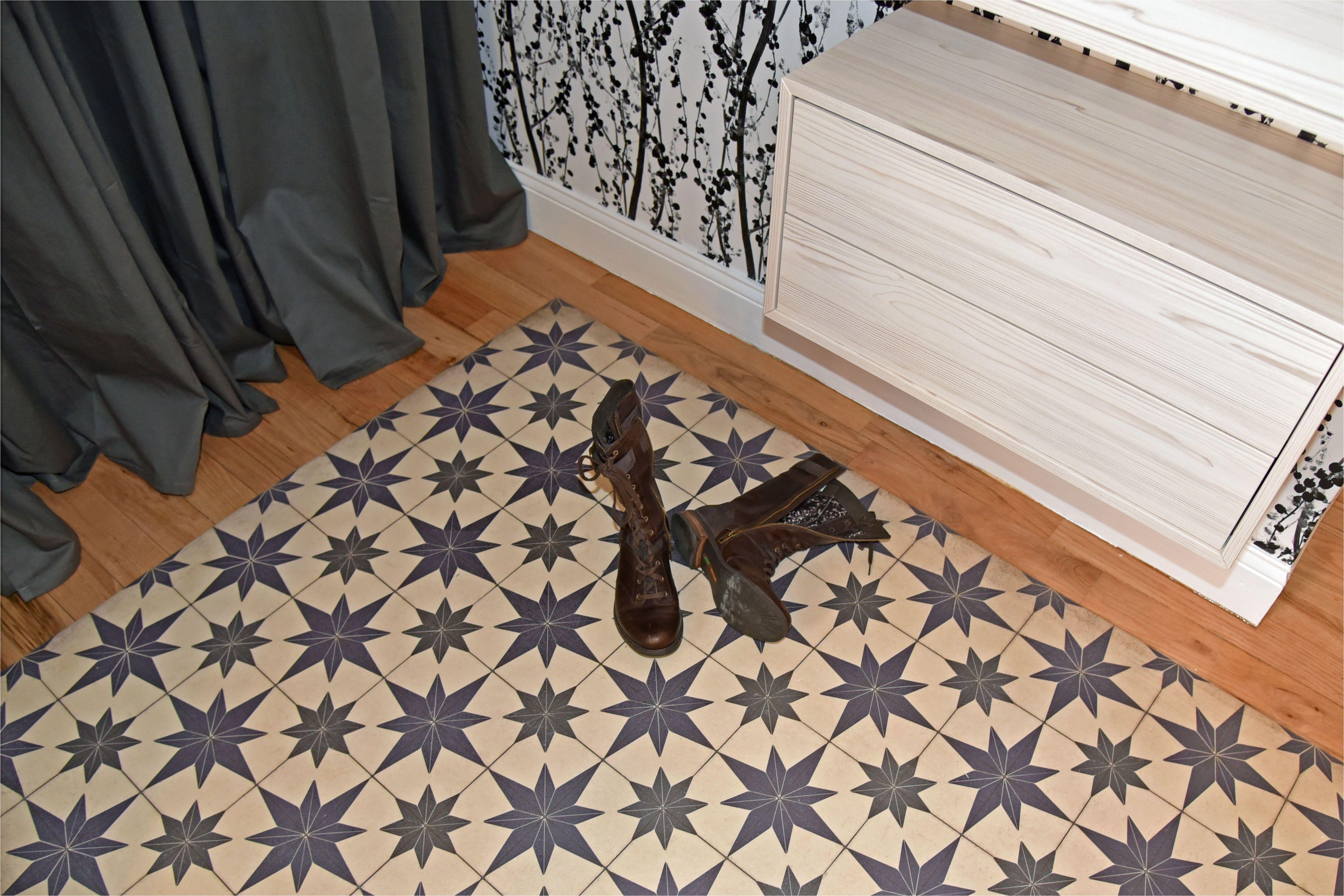 tiny entryway makeover vinyl floor cloth 58ab62a35f9b58a3c9f0ad18