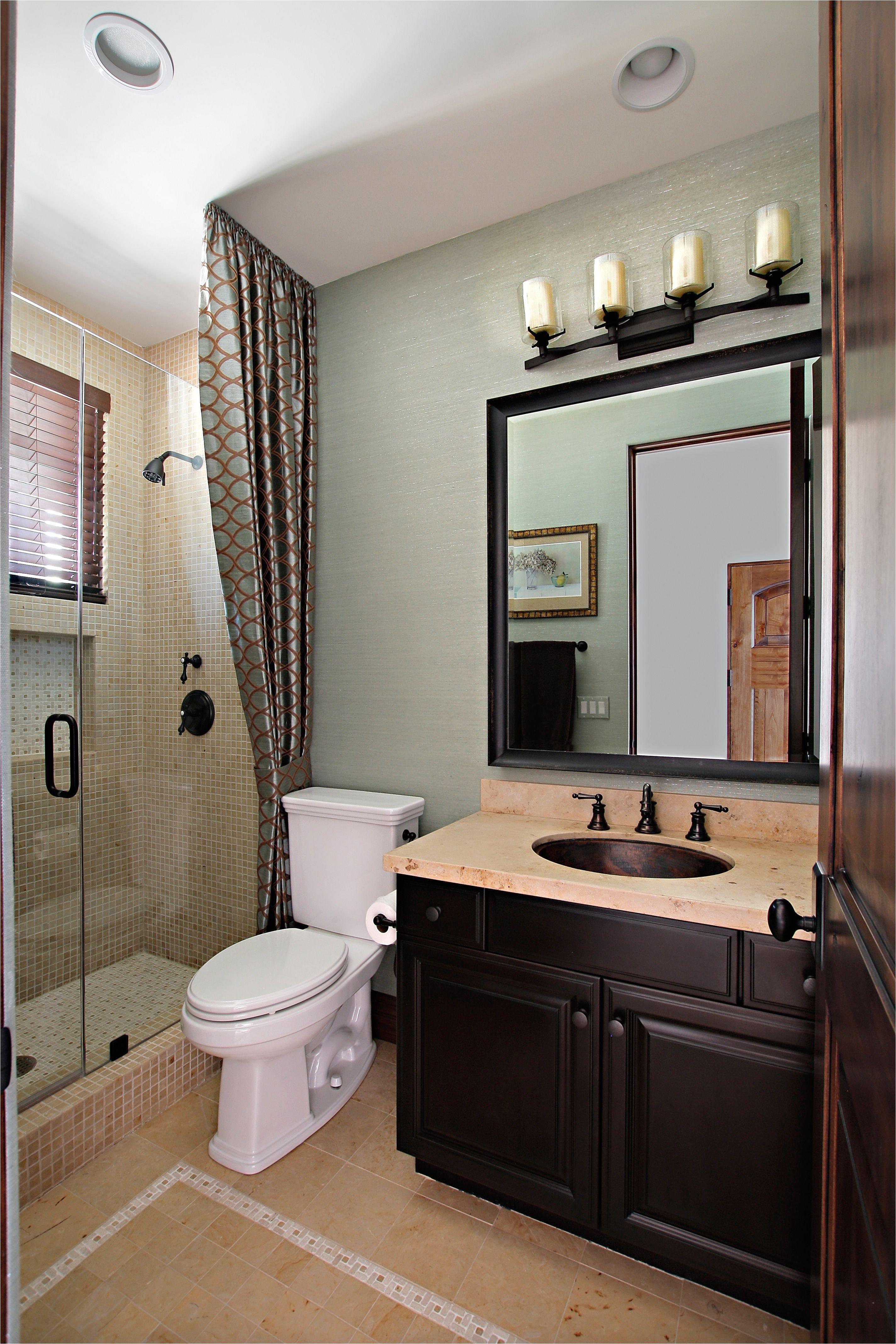 Green Exterior Design With Extra Tub Shower Ideas For Small Bathrooms I Pinimg Originals 8e 04