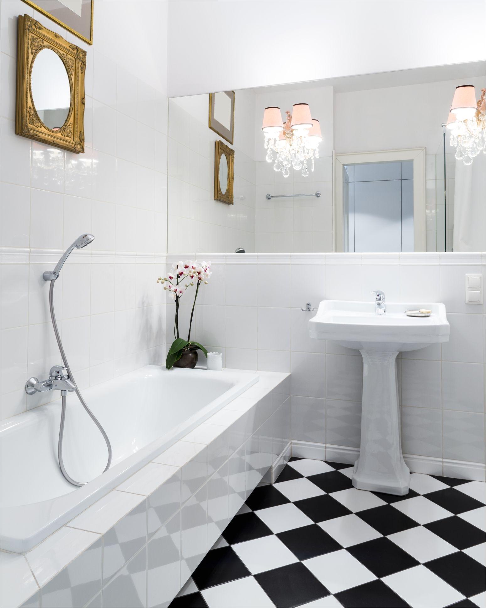 Bathroomlinoleumfloor Getty 59bbfe759abed ae1