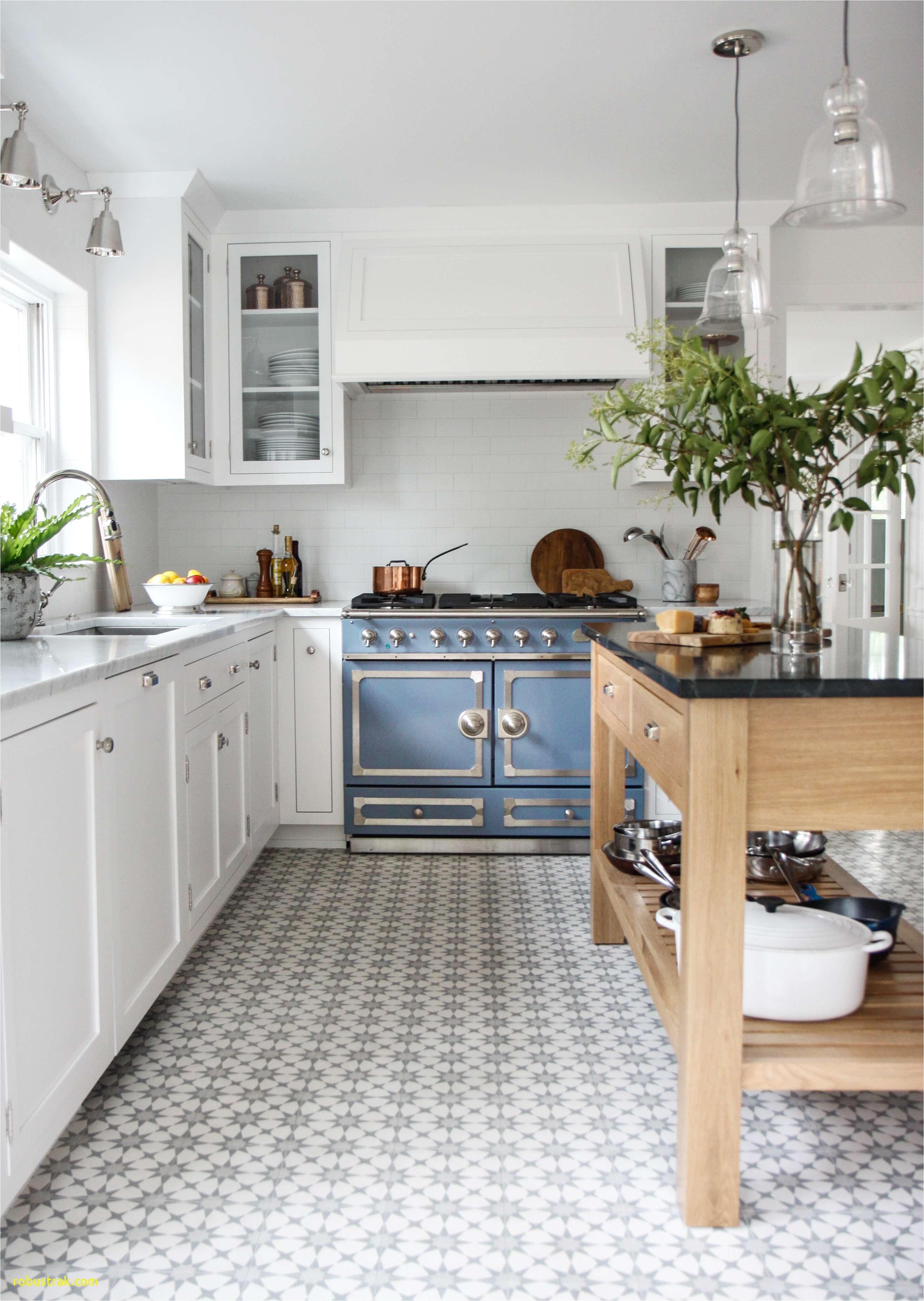 White Kitchen Cabinets Hardware New Pin Od Angela Jones Na Kitchens Pinterest