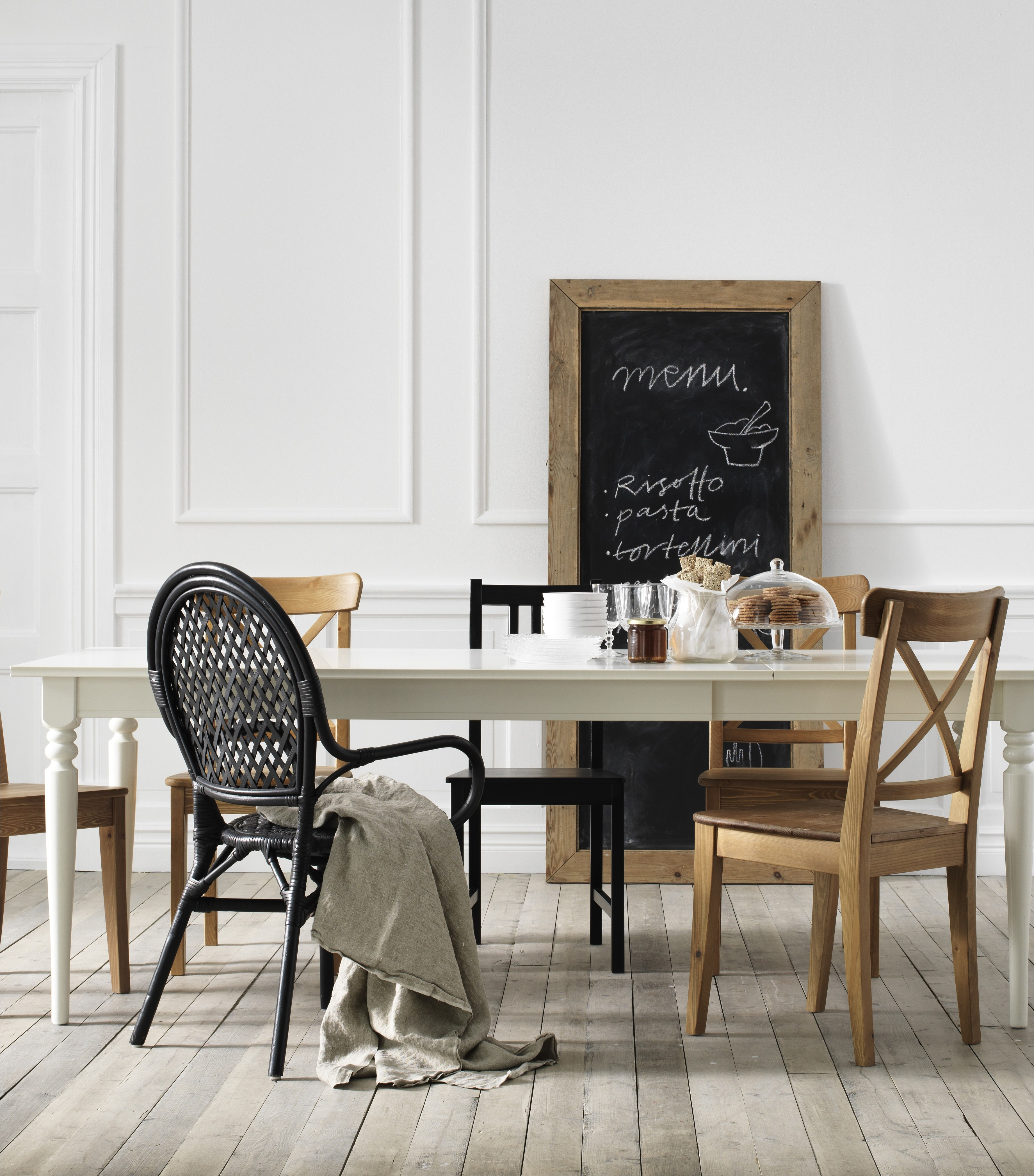 """Beauteous Grey Dining Room Table Sets At Interesting Metal Dining Chairs Ikea Graceful Salon Zdj""""¢""""¢cie Od"""