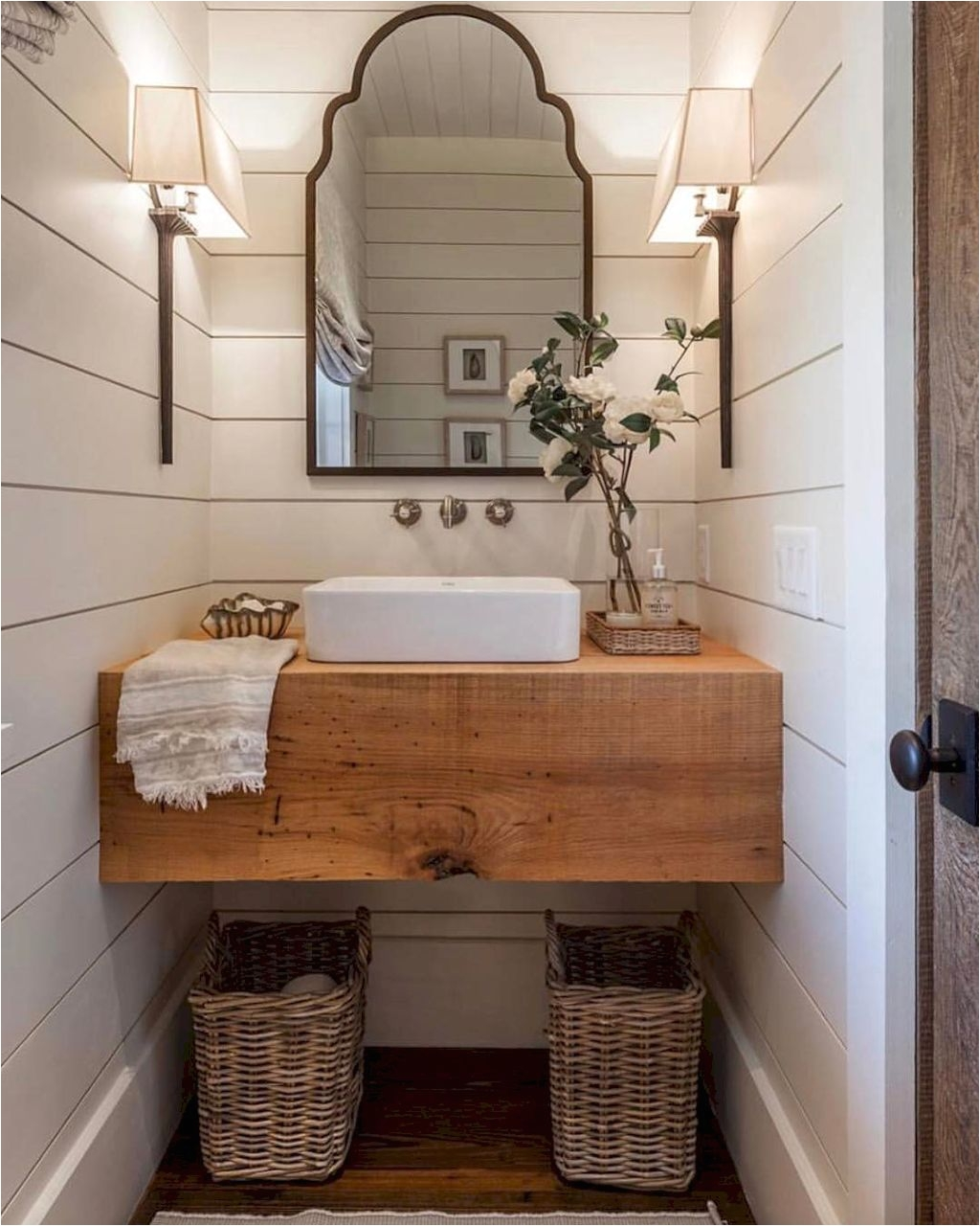 Gorgeous 36 Awesome Small Farmhouse Bathroom Design Ideas