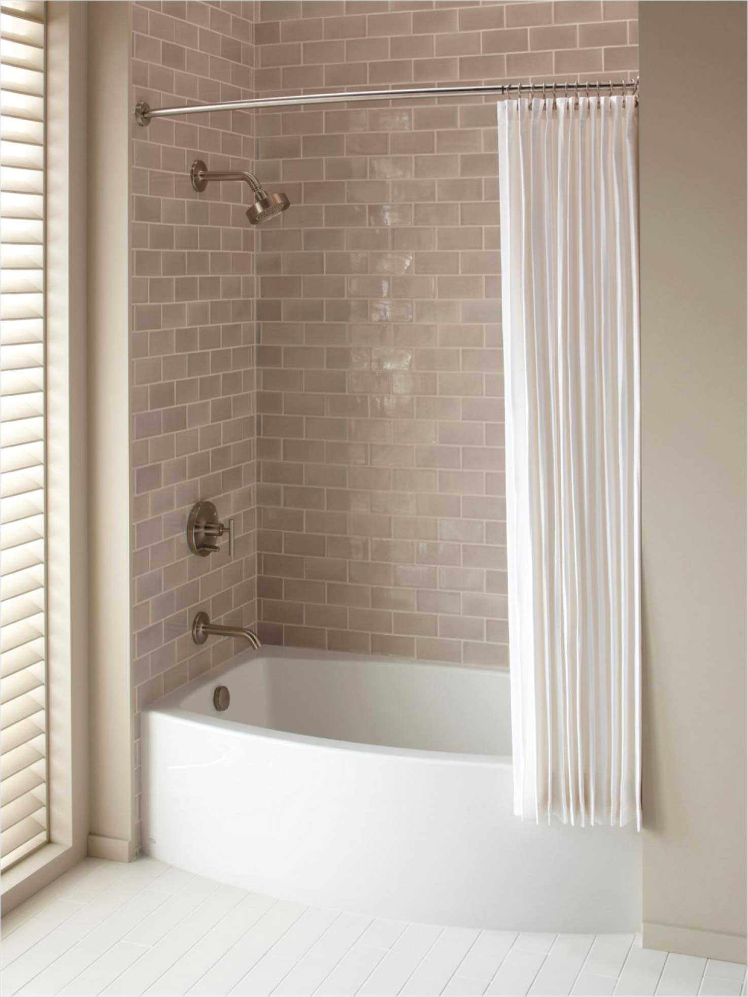 classic freestanding deep bathtubs to suit small spaces