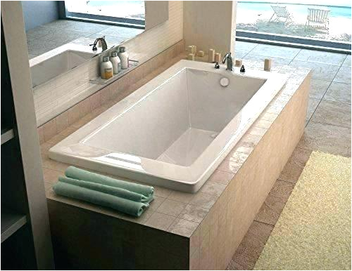 alcove bathtub definition