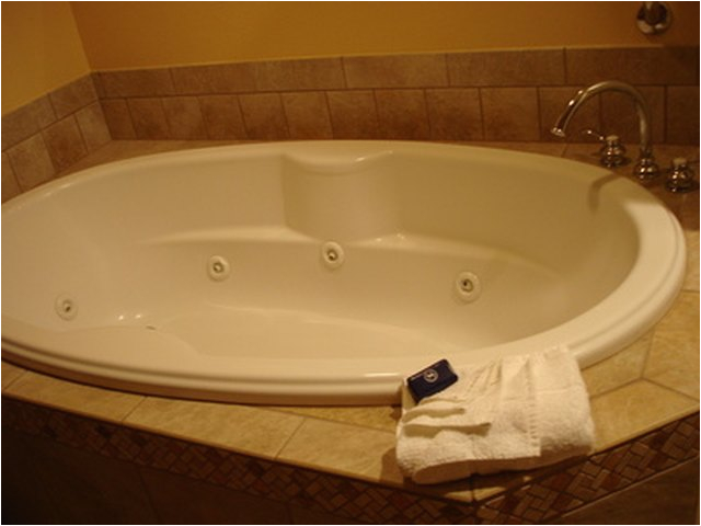 Bathtub or Jacuzzi How to Paint A Porcelain Tub Sink or toilet