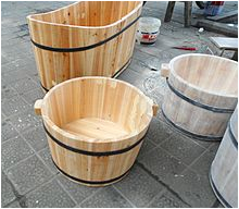 220px Wooden bathtubs for children and infants 06 JPG