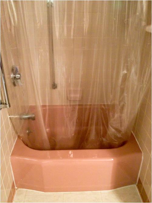 Bathtubs In Small Bathrooms Small Shower Receptor Bathtubs Retro Renovation