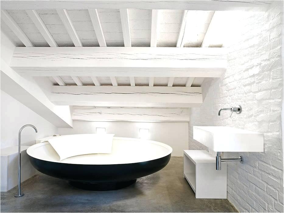 large bath tubs