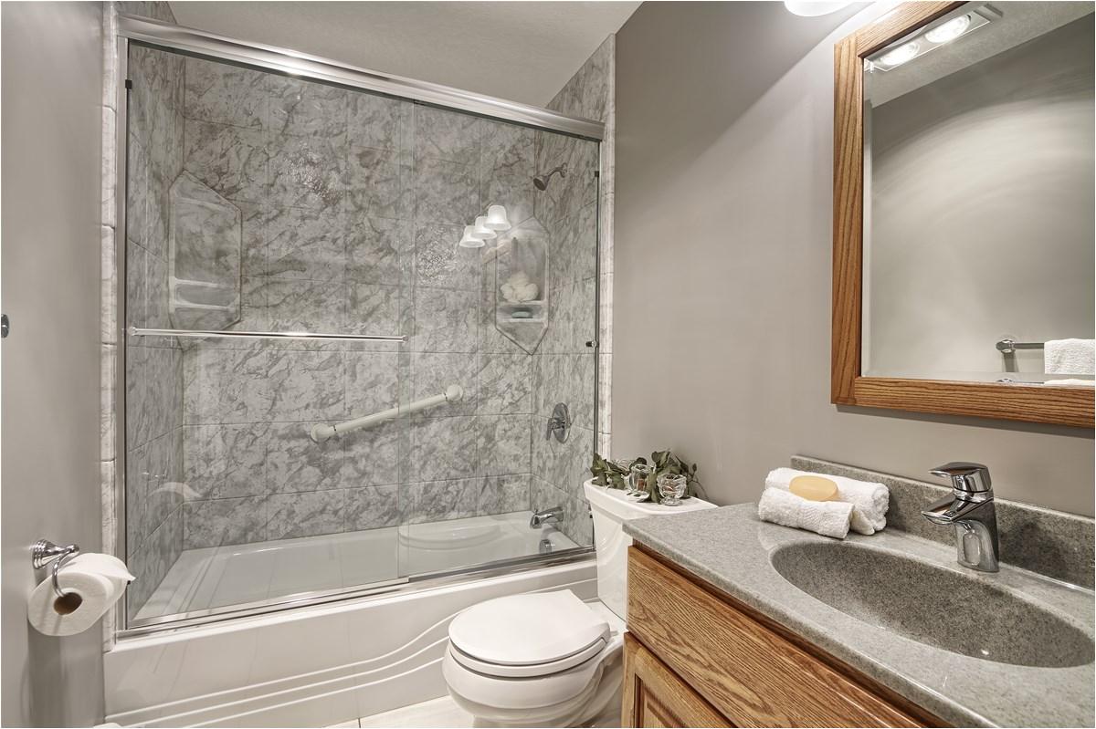 shower tub bo