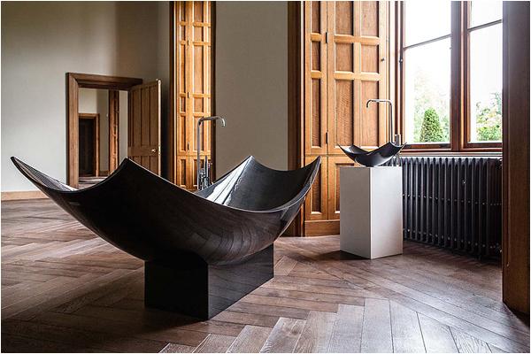 freestanding carbon fibre bath from splinter works
