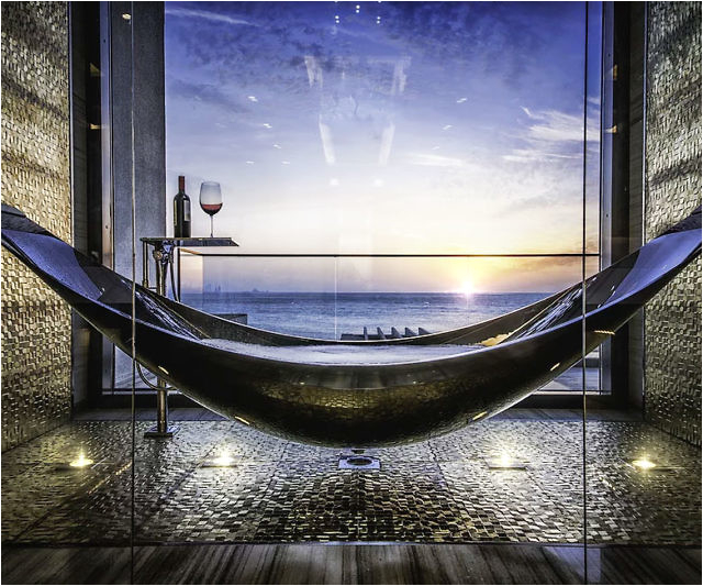 the hammock bathtub
