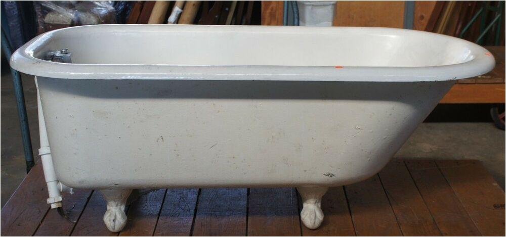 Clawfoot Bathtub 60 Vintage Roll Rim White Cast Iron original Clawfoot Bathtub