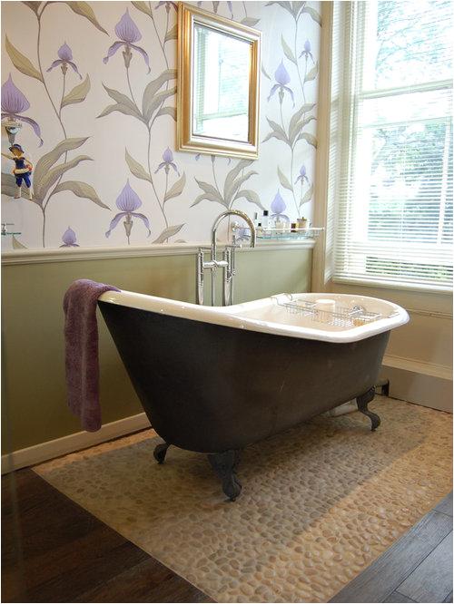 clawfoot tub bathroom