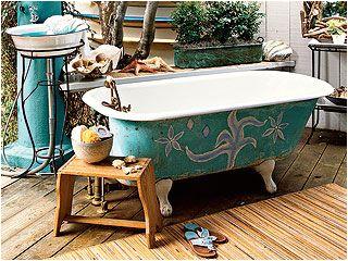 outdoor clawfoot bathtub