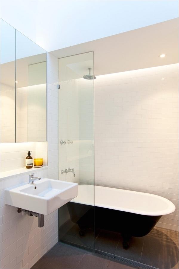 clawfoot tub classic charming elegance