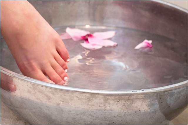 homemade foot soak for dry feet