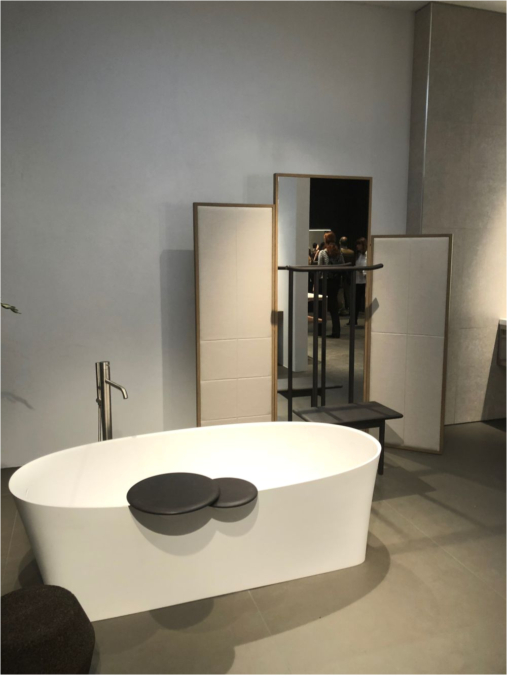 Freestanding Bathtub Size How to Tell if the Standard Bathtub Size Suits You