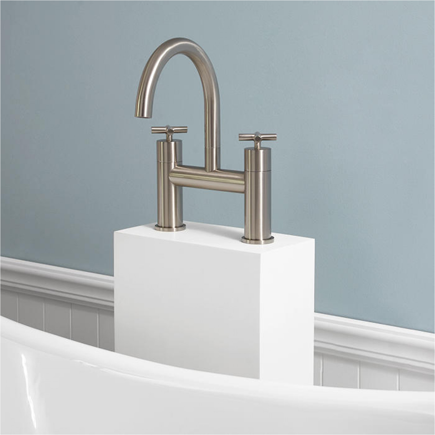 exira freestanding tub filler with resin faucet tower