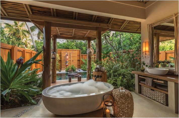 top 10 outdoor bathrooms designs