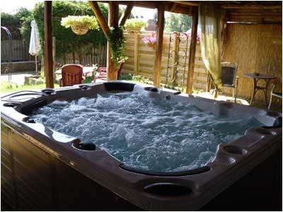jacuzzi bathing system