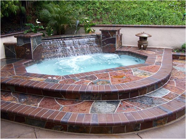 Jacuzzi Bathtub Outdoor Small Hot Tub with Waterfall