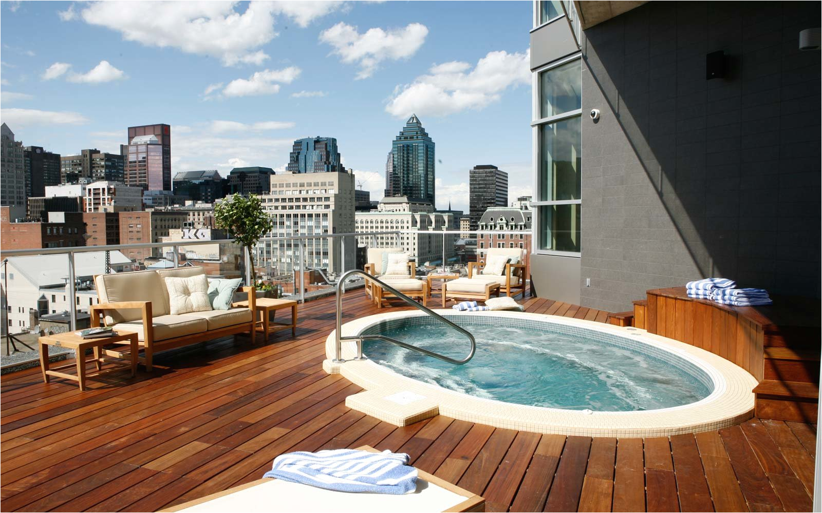Jacuzzi Bathtub toronto 25 Rooftop Pools to Dream About while You Sit In the