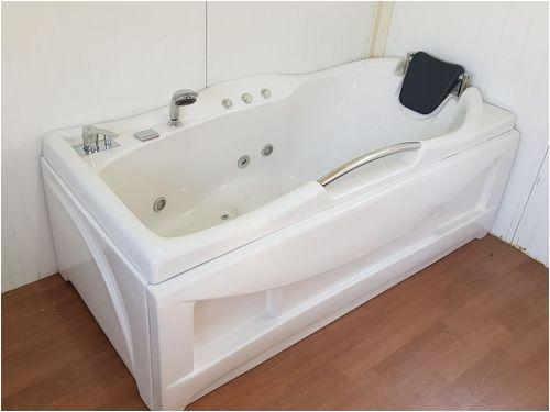 single seater hot jacuzzi bathtub