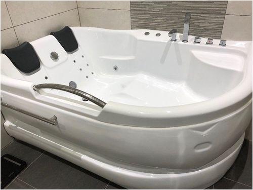 jacuzzi whirlpool bathtubs