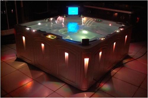 jacuzzi spa hot tub