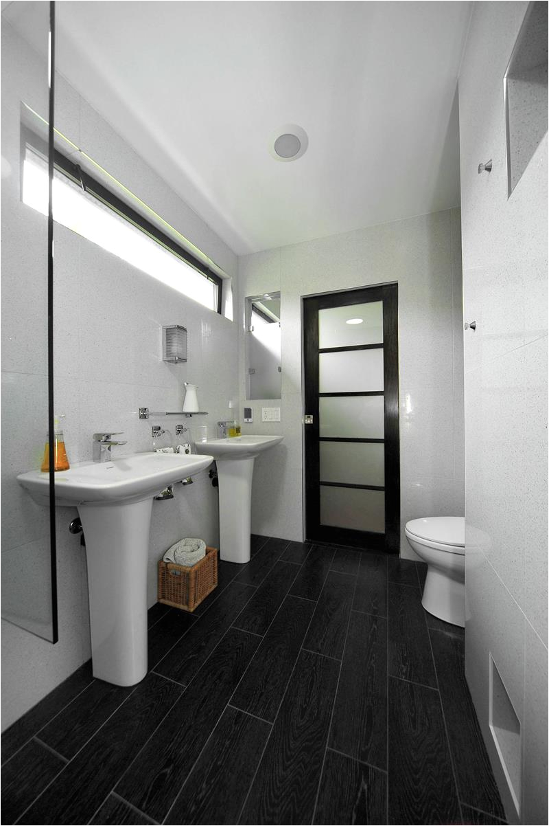 20 stunning large master bathroom design ideas