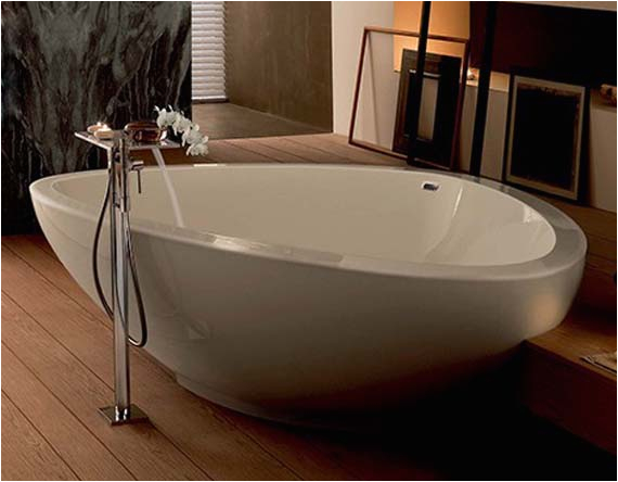 large bathtubs essential for your bathroom
