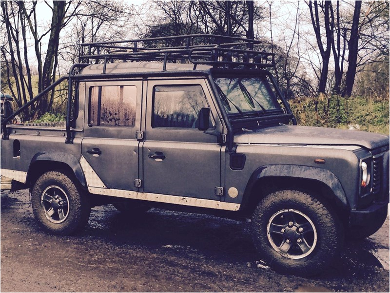 land rover defender 110 tub
