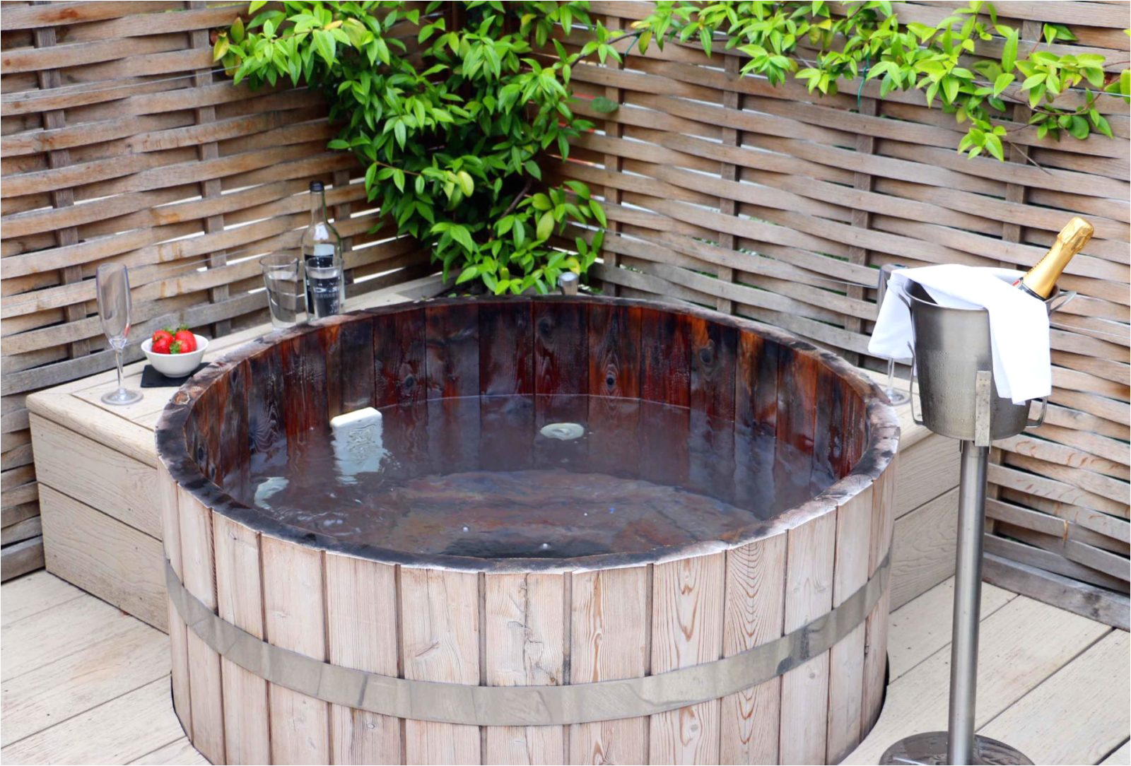 top 5 uk luxury hotels outdoor hot tubs