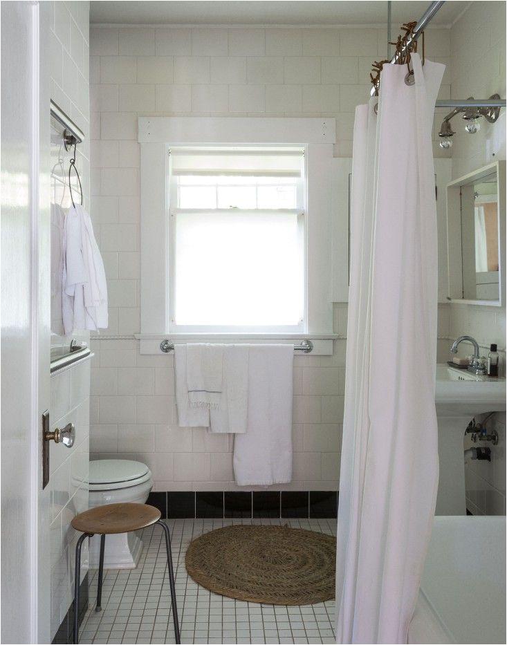 Remodelista Bathtubs Expert Advice 10 Tips for Transforming A Rental Bath