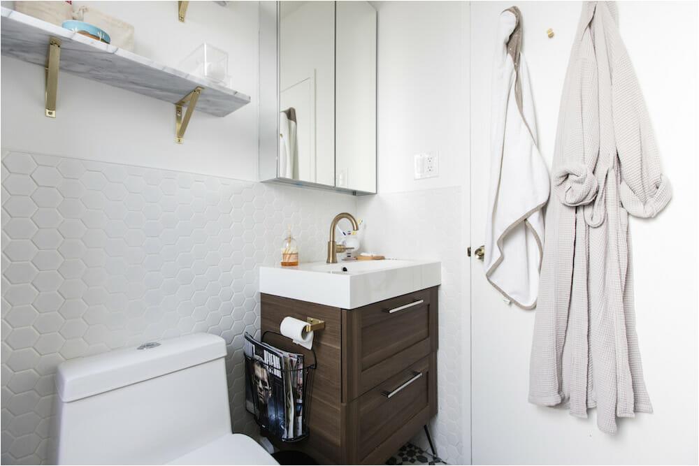 Small Bathtubs Ikea 5 Homeowners Use An Ikea Bath Vanity for A Modern Look