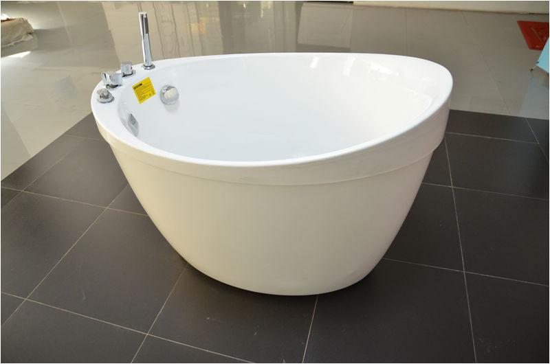 walk in bathtub with shower heart