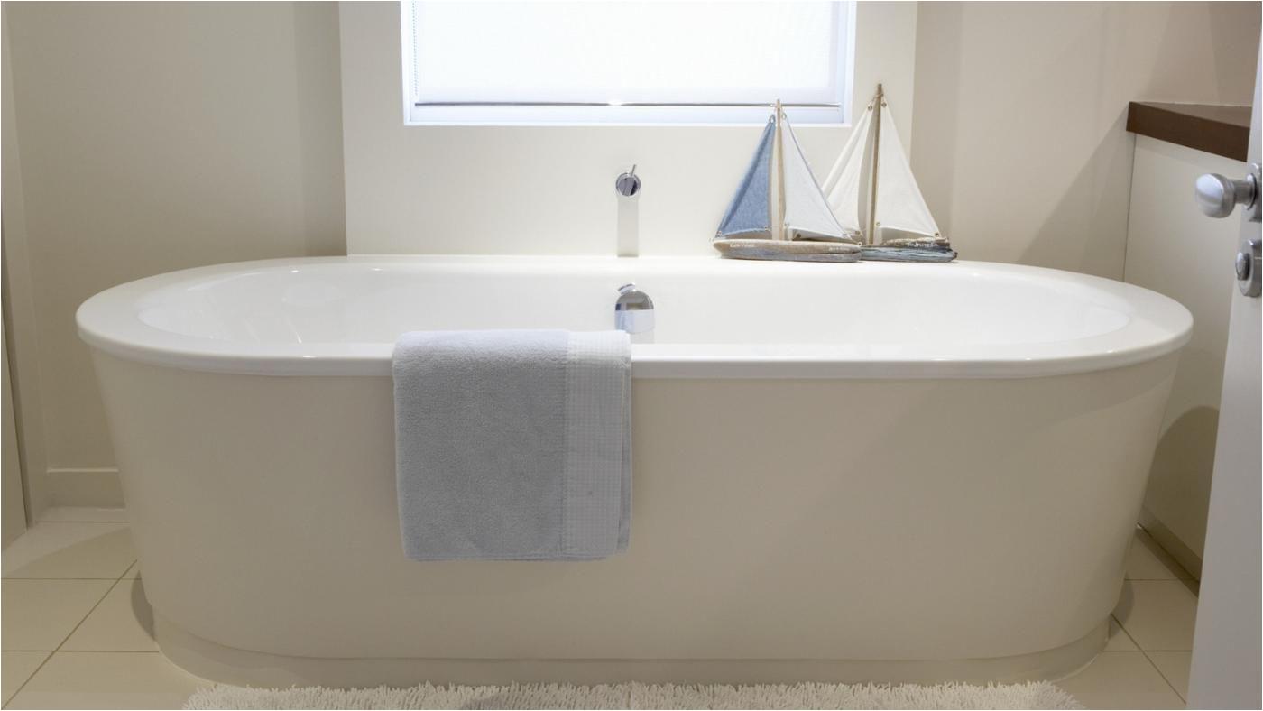 standard bathtub measurements b6f618ca9a5de192