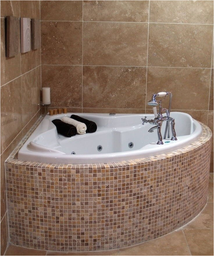 corner tubs for small bathrooms