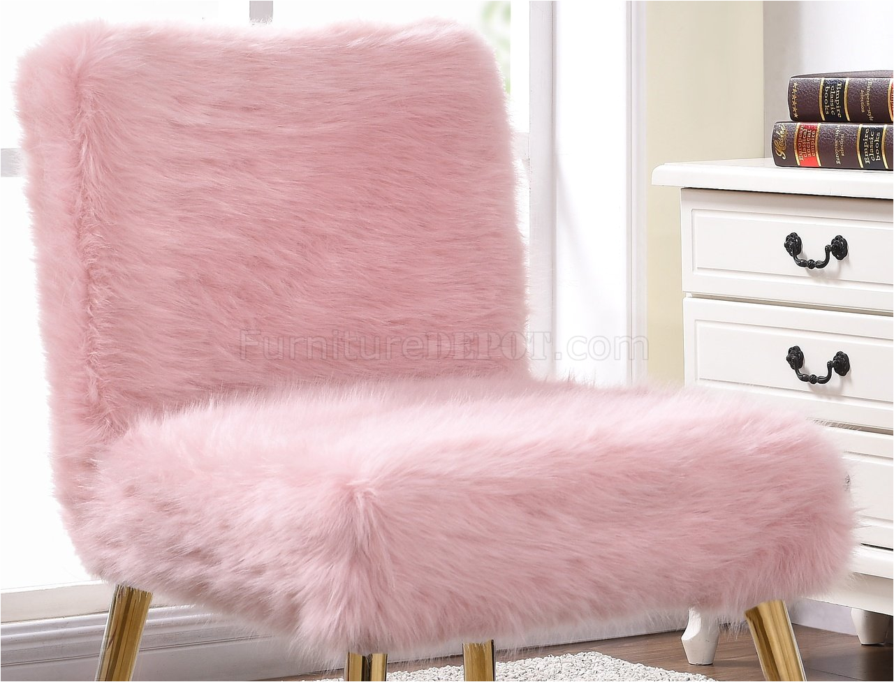 tiffany accent chair in pink fur by meridian p
