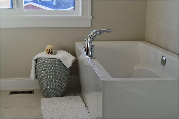bathtub materials parison guide