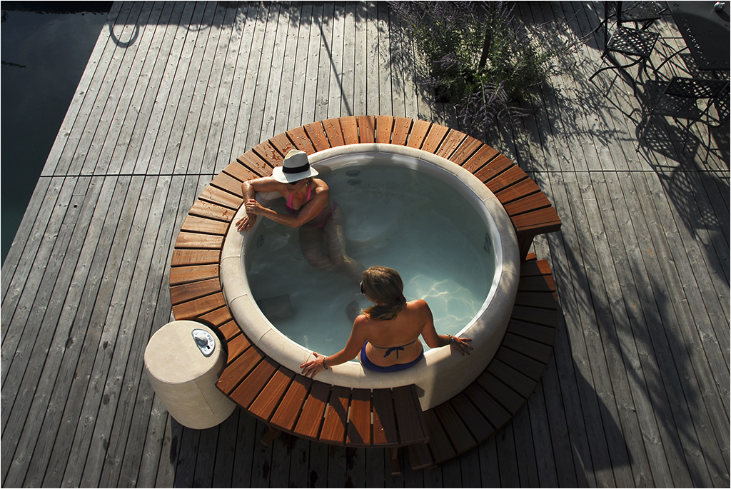 Whirlpool Bathtub Ireland softub Whirlpools and Hot Tubs Ireland