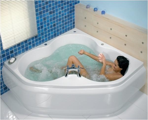 corner whirlpool tub small bathroom