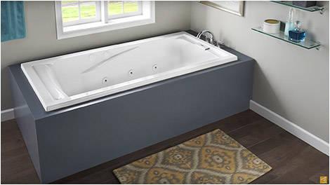 soaker tub standard size