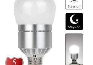Bayco Lights Dusk to Dawn Led Sensor Light Bulb 12w Auto On Off Led Light Bulb