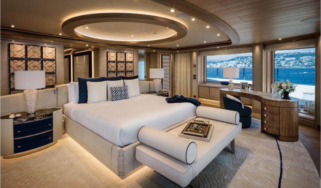 Boat Interior Restoration Ideas the Interior Design Of the ...