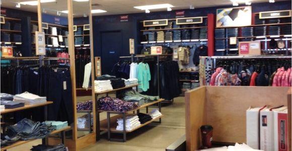Boston Interiors Outlet Store Levi S Outlet Store Men S Clothing 300 Tanger Boulevard Ste 105