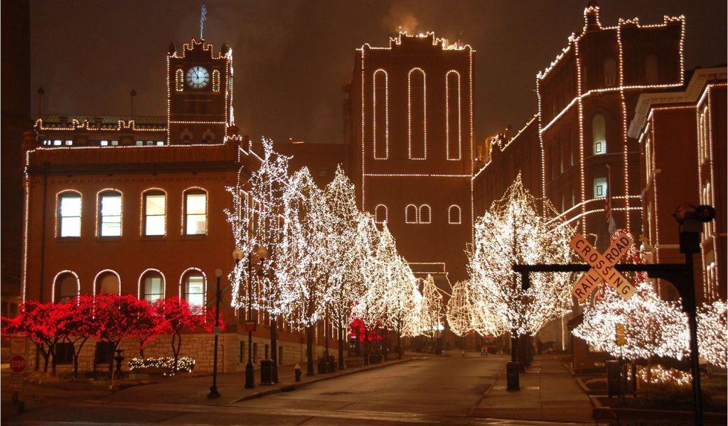 Decorated Golf Cart Christmas Lights the Best Neighborhood Christmas ...