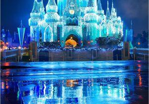 Frozen Christmas Light Show Ultimate Disney World Christmas Guide Disney Pinterest Disney