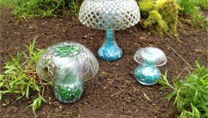 Garden Art Made From Old Dishes Antiques Diy Mushrooms Lawn Decor Upcycle Garden Yard Decor
