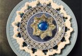 Glass Plate Flower Garden Art Pin by Ellen Carrithers On My Plate Flowers Pinterest Garden Art